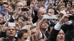 7-smartphone-cameras-smart-phones-make-us-dumb