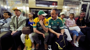 Leitrim_fans_subway